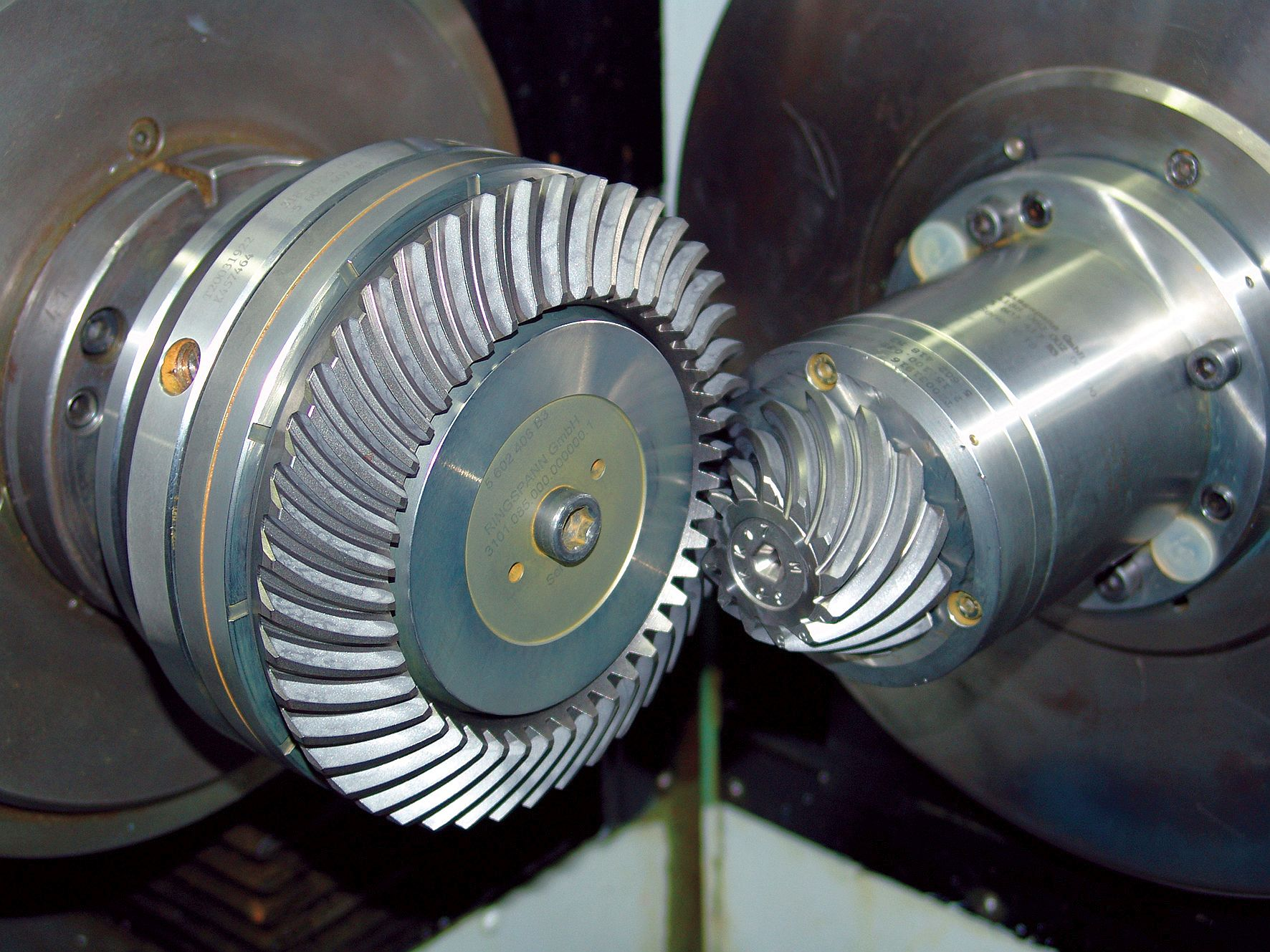 RINGSPANN clamping chucks and clamping mandrels are widely used in gearing technology